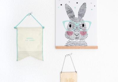 Posterhanger met kralen en poster van Mr. Rabbit. En twee vaandels met leuke quotes.