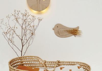Ted and Tone houten wandlamp met een boom.